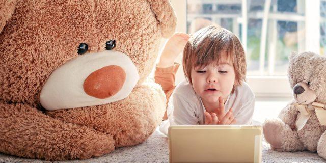 Educazione digitale, i consigli della pedagogista per bambini da 0 a 6 anni