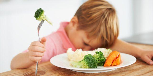 Perché ai bambini non piacciono le verdure? 3 motivi scientifici