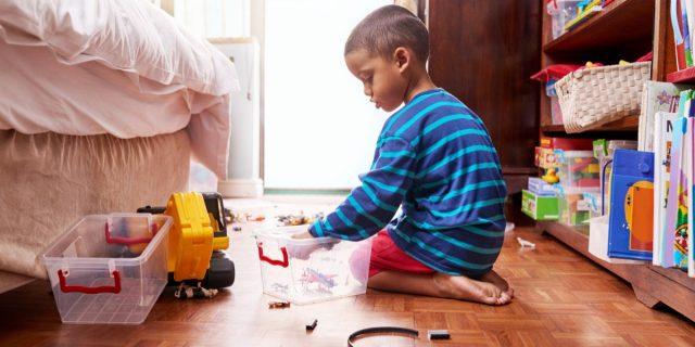Come fare decluttering nella stanza e tra i giochi (coinvolgendo i bambini)