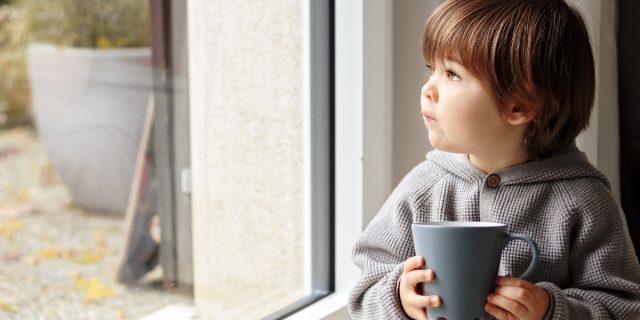 L'arrivo dell'autunno genera tristezza nei bambini? Ecco perché succede e come aiutarli