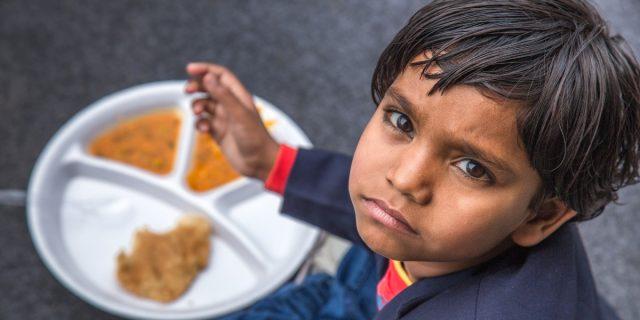 Save the Children: ogni anno 2 milioni di bambini muoiono per malnutrizione